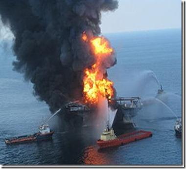 DeepwaterHorizononfireafterBPoilspil[1]