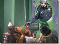 Wizard_Oz_Pepper_Spray_Pig