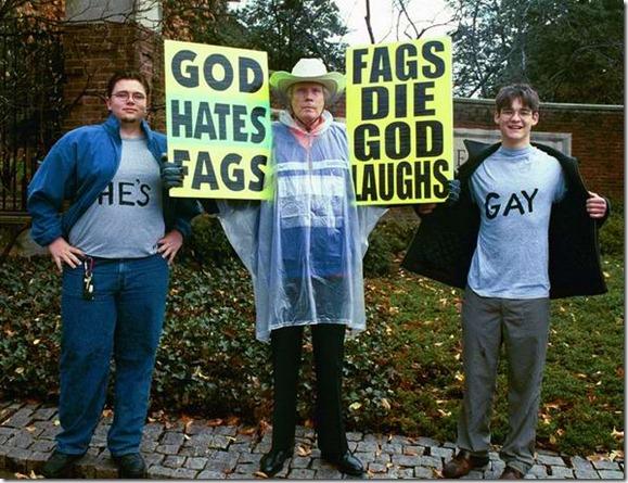 20081026-monons_hate_gays
