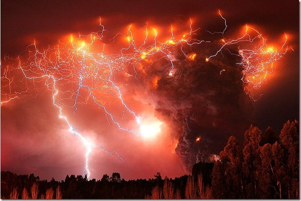 Chile-Volcanoeruptionlightning
