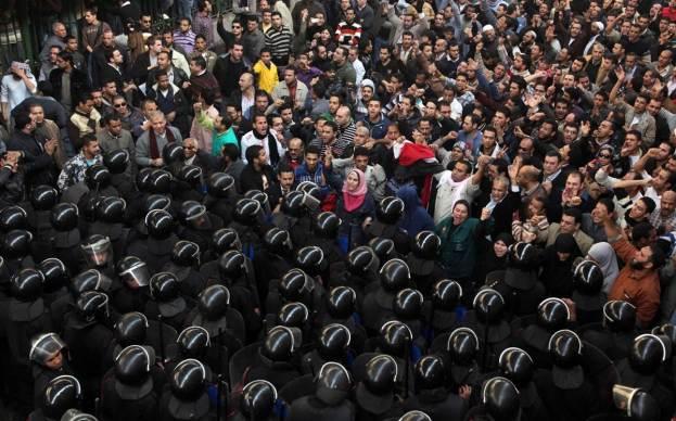 ss-101128-egypt-unrest-06.ss_full