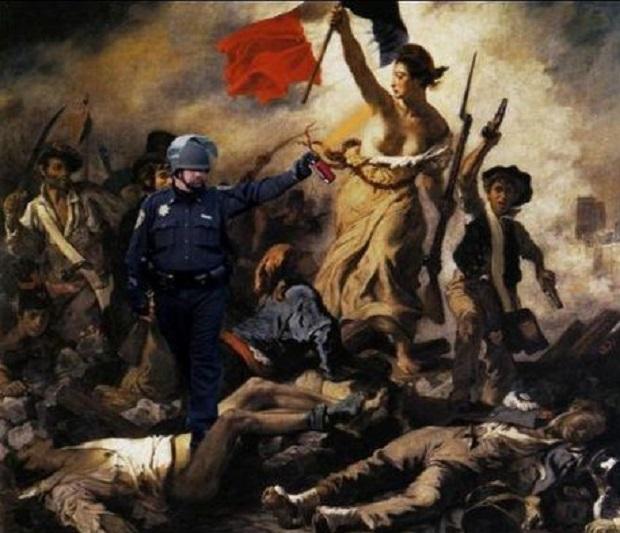 le-lieutenant-john-pike-est-tristement-celebre-pour-avoir-gaze-des-manifestants_63871_w460